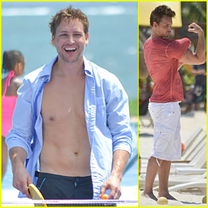 Peter Facinelli Is a Sexy Shirtless Stud In Cancun!
