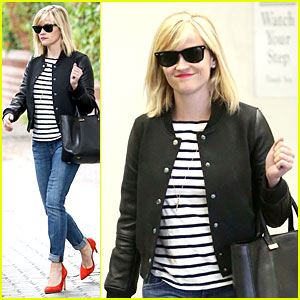 Reese Witherspoon Bowls Her Way to Sin City for 38th Birthday!