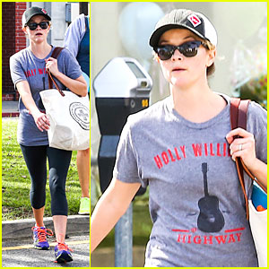 Reese Witherspoon Breaks a Sweat with a Parking Ticket Waiting For Her