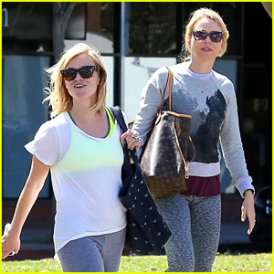 Reese Witherspoon & Naomi Watts Continue to Be Our Favorite Yoga Partners!