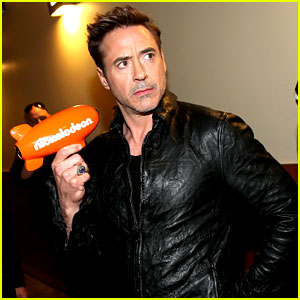 Robert Downey Jr. WINS Favorite Butt Kicker at Kids' Choice Awards 2014!