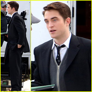 Robert Pattinson Looks Handsome Filming 'Life' Amidst Snowy Scenery!