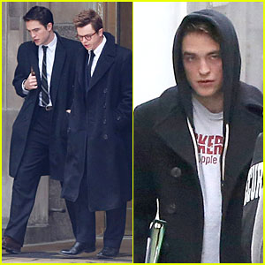 Robert Pattinson Stands Out In 'Life', Even with a Hoodie!