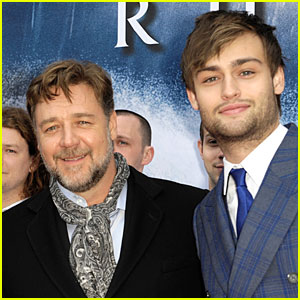 Russell Crowe & Douglas Booth Hope To Save Dublin with 'Noah'!