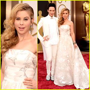Tara Lipinski & Johnny Weir Skate Their Way to Oscars 2014!