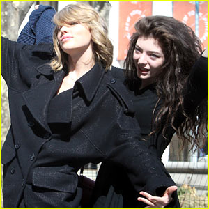 Taylor Swift & Lorde Are a Pair of Super Silly Besties in NYC!