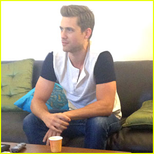 Graceland's Aaron Tveit Dishes On His Future Broadway Return!