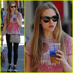 Amanda Seyfried Admits That She's 'Pretty Shy' in Groups!