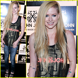 Avril Lavigne Attends Event in Brazil After Video Controversy