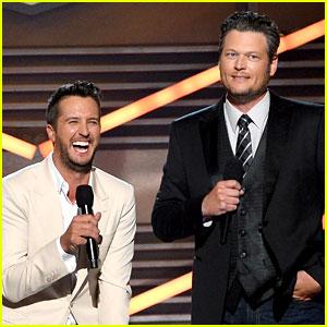 Blake Shelton Disses Britney Spears at ACM Awards 2014 (Video)
