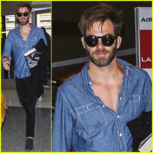 Chris Pine Brings 'Lindbergh' Along For Trip to London!