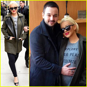 Christina Aguilera Shares Adorable Baby Bump Pic, Says the Baby Loves NYC!