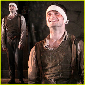 Daniel Radcliffe Takes a Much Deserved Bow in Official Broadway Return with 'Cripple of Inishmaan'!