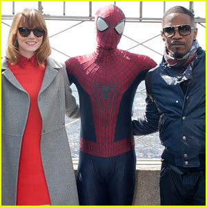 Emma Stone Brings Her New Bangs to the Empire State Building with 'Spider-Man' Cast!