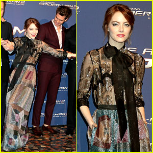 Emma Stone Makes Funny Pose at 'Spider Man 2' Rome Premiere with Andrew Garfield!