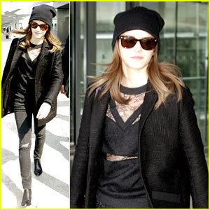 Emma Watson Flies Back to London After Quick New York Trip