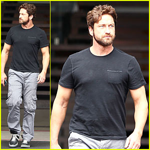 Gerard Butler Oozes Major Sex Appeal with Tight Black T-Shirt!