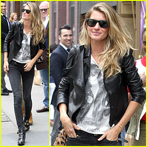 Gisele Bundchen Gives Us a Sneak Peek of  Her Singing 'Heart of Glass' - Watch Now!