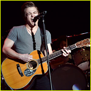 Hunter Hayes Rocks Stagecoach Show Ahead of 'Storyline' Album Release