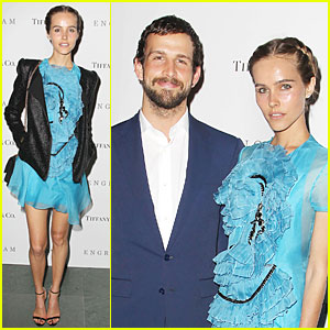 Isabel Lucas Is the Epitome of Serenity at 'Engram' Screening!