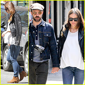 Jason Sudeikis Continues to Capture the Moments Before Olivia Wilde Gives Birth!