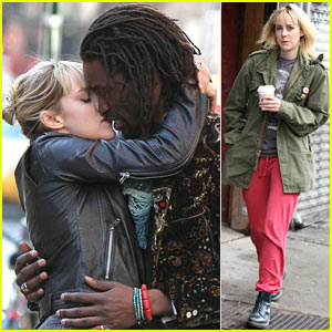 Jena Malone Shares Super Steamy Kiss on 'Time Out of Mind' Set