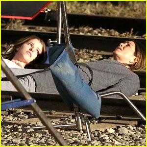 Jennifer Aniston & Anna Kendrick Get Emotional Lying Down on Train Tracks for 'Cake'