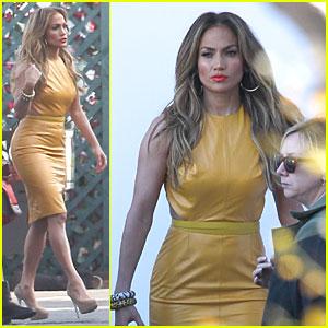 Jennifer Lopez is a Sexy Slice of Orange on 'American Idol'!