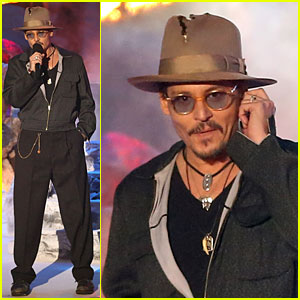 Johnny Depp Couldn't Keep His Torn Up Hat at Home for MTV Movie Awards 2014!