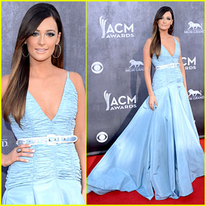 Kacey Musgraves Is a Blue Beauty at the ACM Awards 2014