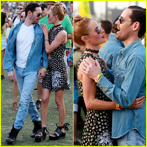 Kate Bosworth & Michael Polish Display PDA at Coachella!