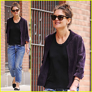Katie Holmes Is Too Happy to Be in 'Dangerous Liaisons'!