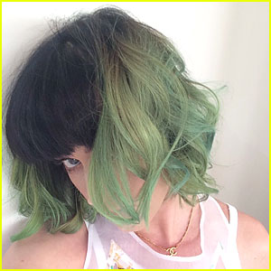 Katy Perry Debuts New Green Hair on Instagram!