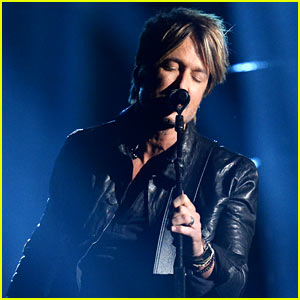 Keith Urban Brings House Down with 'Even the Stars Fall 4 U' at ACM Awards 2014! (Video)
