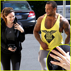 Kelly Brook Flashes Sparkly Engagement Ring Before Workout with Macho Fiance David McIntosh!