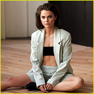 Keri Russell Bares Her Toned Abs for 'Malibu' Mag (Exclusive Photos)