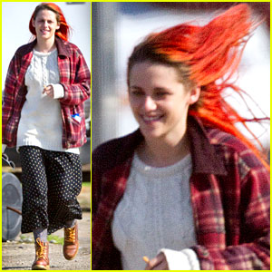 Kristen Stewart Shows Off Fiery Red Hair on 'American Ultra' Set