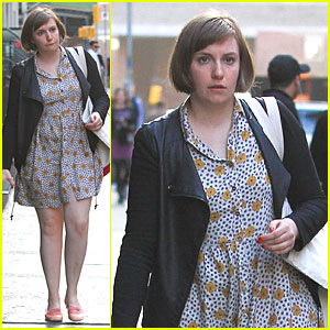 Lena Dunham Meets Up with Taylor Swift at Her NYC Apartment!