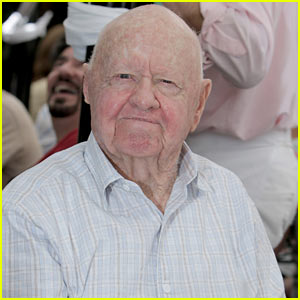 Mickey Rooney Dead - Legendary Actor Dies at 93