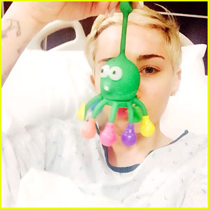 Miley Cyrus Hospitalized for Severe Allergic Reaction to Antibiotics