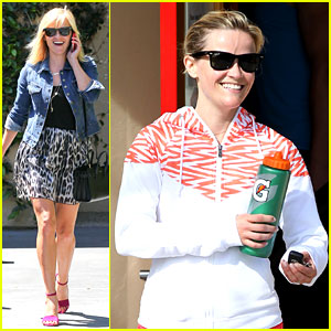 Reese Witherspoon Can't Stop Smiling & We Love Her For It!