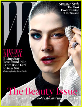 Gone Girl's Rosamund Pike Wipes Makeup Off Her Face for Second 'W' Magazine Cover