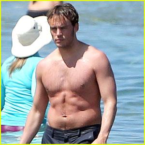 Hunger Games' Sam Claflin Goes Shirtless Again in Hawaii!