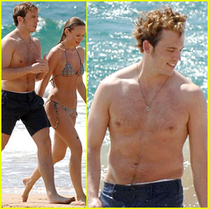 Finnick's Looking Fine! Sam Claflin Goes Shirtless in Hawaii!
