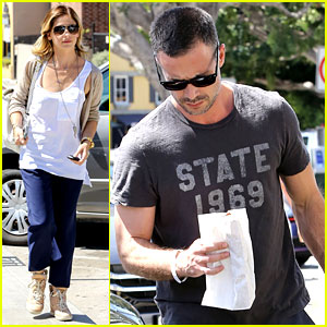 Sarah Michelle Gellar Runs Errands with Hubby Freddie Prinze Jr