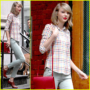 Taylor Swift is Pretty Hipster in New York City!