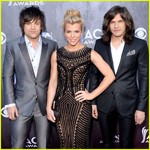 The Band Perry Are Red Carpet Ready at ACM Awards 2014!