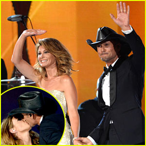 Tim McGraw & Faith Hill Look So in Love During 'Meanwhile Back at Mama's' Performance at ACM Awards 2014! (Video)
