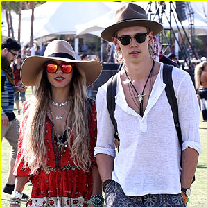 Vanessa Hudgens & Austin Butler Are Such a Cute Coachella Couple!
