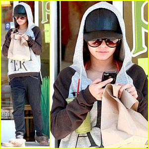 Vanessa Hudgens Describes Selena Gomez in Five Words!
